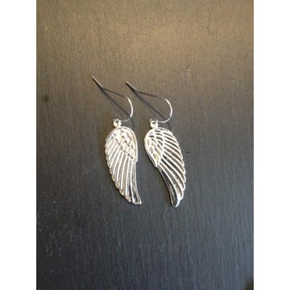 Des ailes d'anges en plaqué or ou argent montés sur crochet