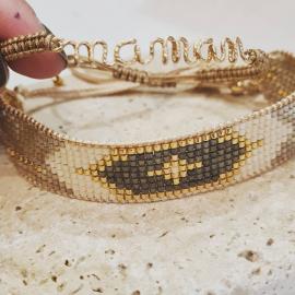Joli duo de bracelets à offrir dimanche. Un maman manuscrit en Goldflied monté sur un macramé taupe associé à un bracelet tissé @bellemaispasque . De nombreuses combinaisons possible en magasin. ♡♡♡ #mylittlebijou #bijoux #bijouxpersonnalises #bijoudecreateur #creatrice #bijouxfemme #fetedesmeres #braceletstissés #atelierboutiqueaix #aixenprovence #aixmaville #aixencommerce #createurdusud #madeinfrance