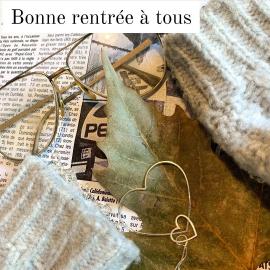 Bonne rentrée à tous. J'adore cette période de l'année car elle est synonyme de nouveau projet ... Pour moi la rentrée c'est monter à Paris aux salons Who's Next et Bijorcha. Même si ils seront beaucoup moins fréquentés que les années précédentes ça me permet de voir les nouvelles tendances et faire le plein de nouveautés. C'est mon petit rituel... La boutique sera donc fermée jusqu'au jeudi 9 septembre 📷 @lisa_srl ♡♡♡♡ #mylittlebijou #bijoux #bijouxpersonnalises #bijoudecreateur #creatrice #bijouxfemme #maxicollier #collierfemmeplaqueor #atelierboutiqueaix #aixenprovence #aixmaville #aixencommerce #createurdusud #madeinfrance